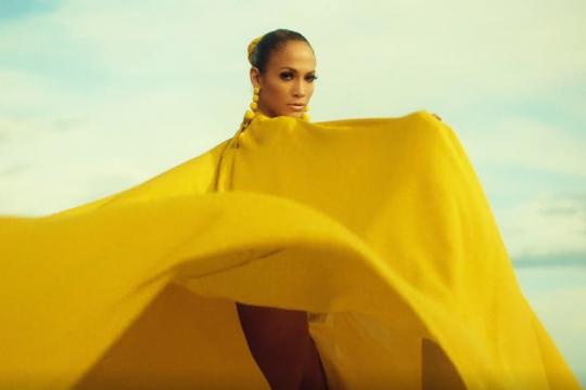 """""""Ni Tú Ni Yo"""" – Jennifer Lopez ft. Gente De Zona"""